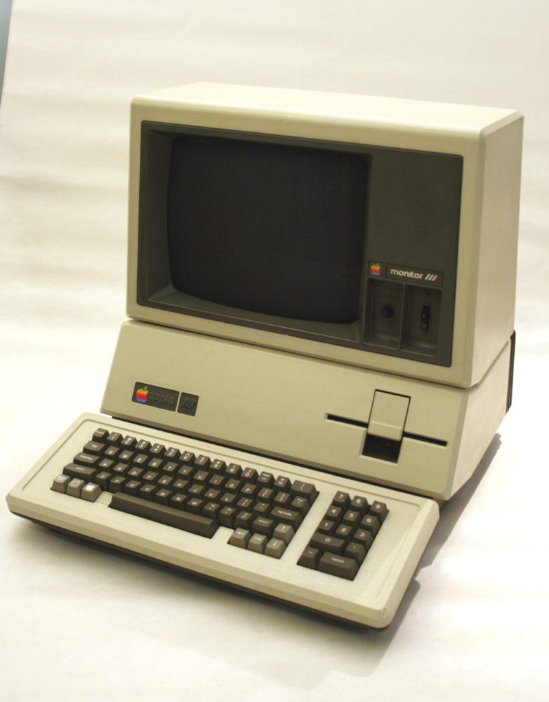 Vecchio pc usato come esempio per il registro elettronico